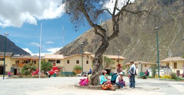 Ollantaytambo is a picturesque town in the heart of the Sacred Valley. This town has become a primary railroad stop between Cusco and Machu Picchu. Ollantaytambo boasts some lovely, quaint hotels and restaurants, as well its share of history. The archaeological site above the city, Temple Hill, , 'Araqhama, was a ceremonial centre that once housed Incan princesses and later served as a fortress while fighting the conquistadors